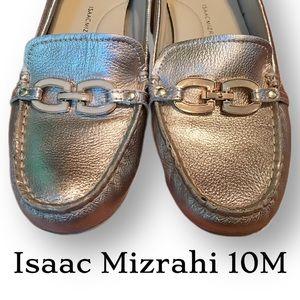 Stunning gold driving moccasins 10M